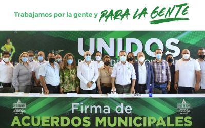 Cisneros firma proyectos de desarrollo con la Gobernación de Antioquia