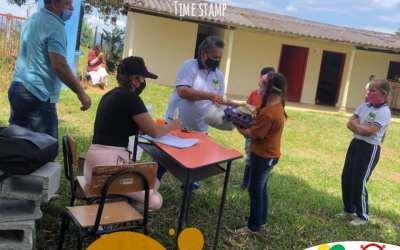 Yolombó entrega suplementos alimentarios a los estudiantes