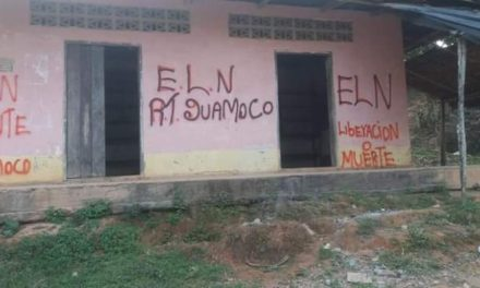 Pintadas grafiti en El Bagre