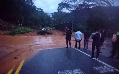 Alcalde de San Luis solicita que tomen medidas en la autopista para evitar nuevas emergencias