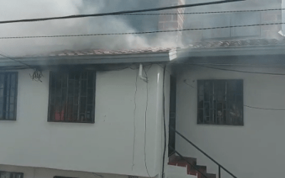 En zona urbana de San Vicente de Ferrer se presentó un fuerte incendio