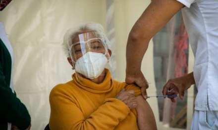 ¡Atención! Medellín comienza la vacunación sin cita previa para mayores de 55 años