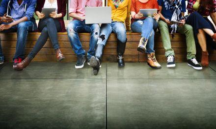 Diálogos con los jóvenes en Peque
