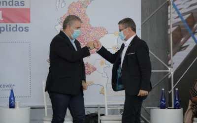 El presidente Iván Duque y el gobernador encargado del departamento entregaron subsidio de vivienda número 150.000 en Rionegro