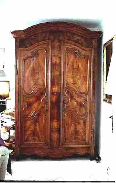 ancienne armoire louis xv en noyer massif parfait etat ferrures et chevilles d