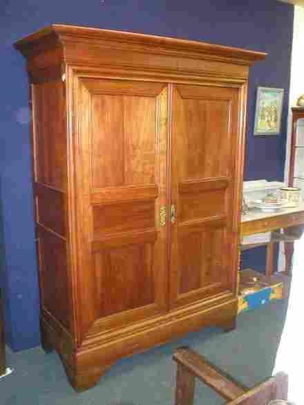 armoire merisier louis philippe 3 tiroirs interieur