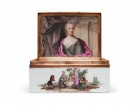 Gold-mounted Meissen snuff box