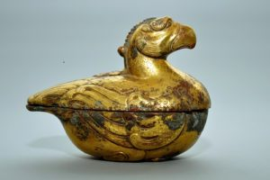 Bronze box in the shape of a bird