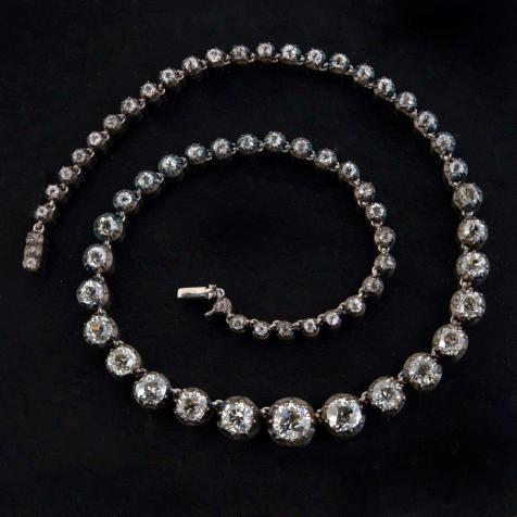 An antique necklace in Lawrences sale