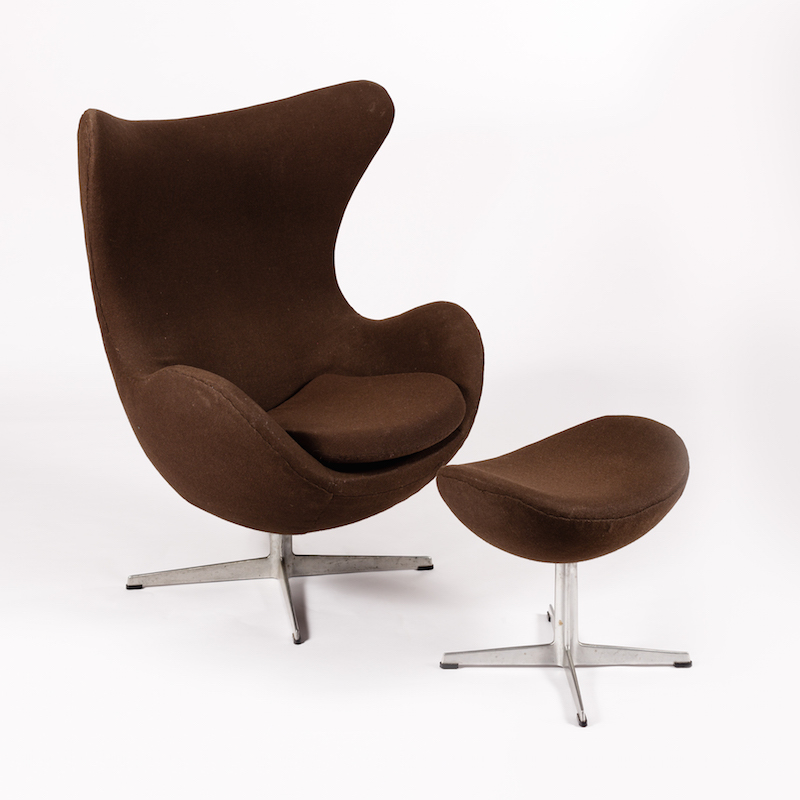 Arne Jacobsen Egg chair and ottoman