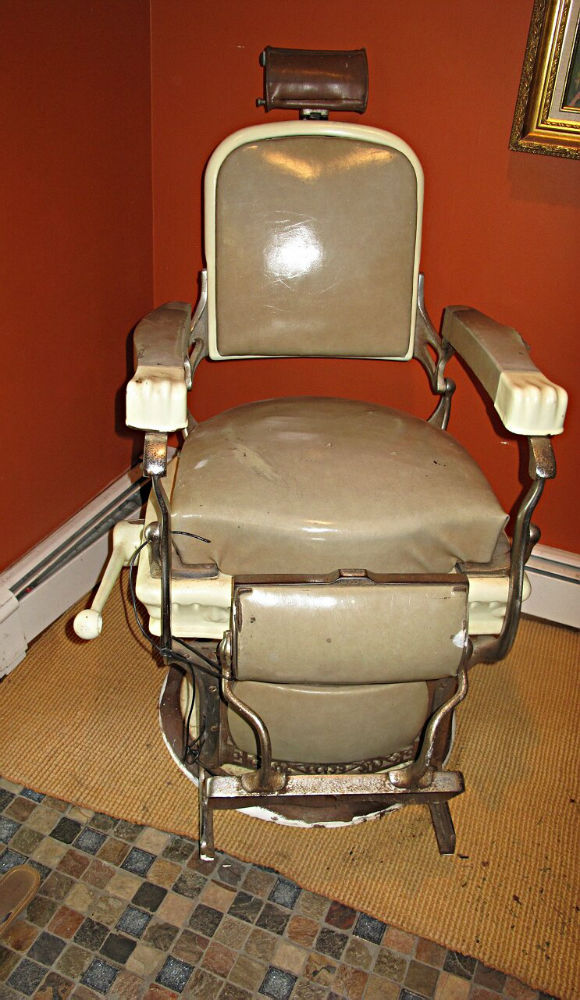 Matching Pair of Early 1900s Koken Barber Chairs for Sale
