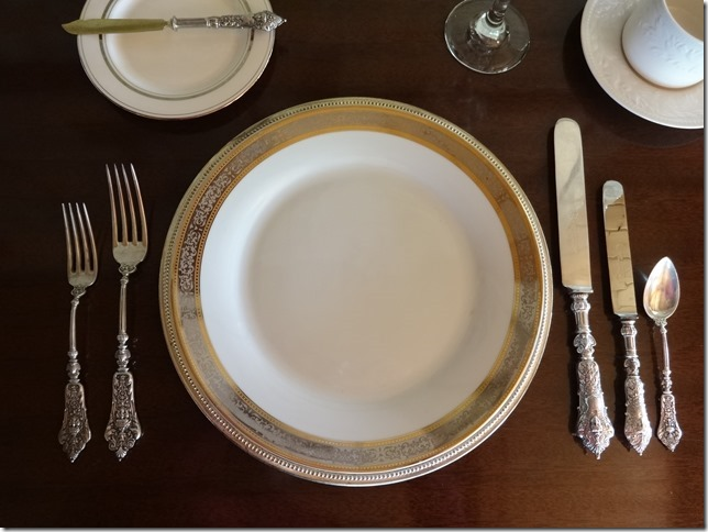 How to Set Your Table the Victorian Way