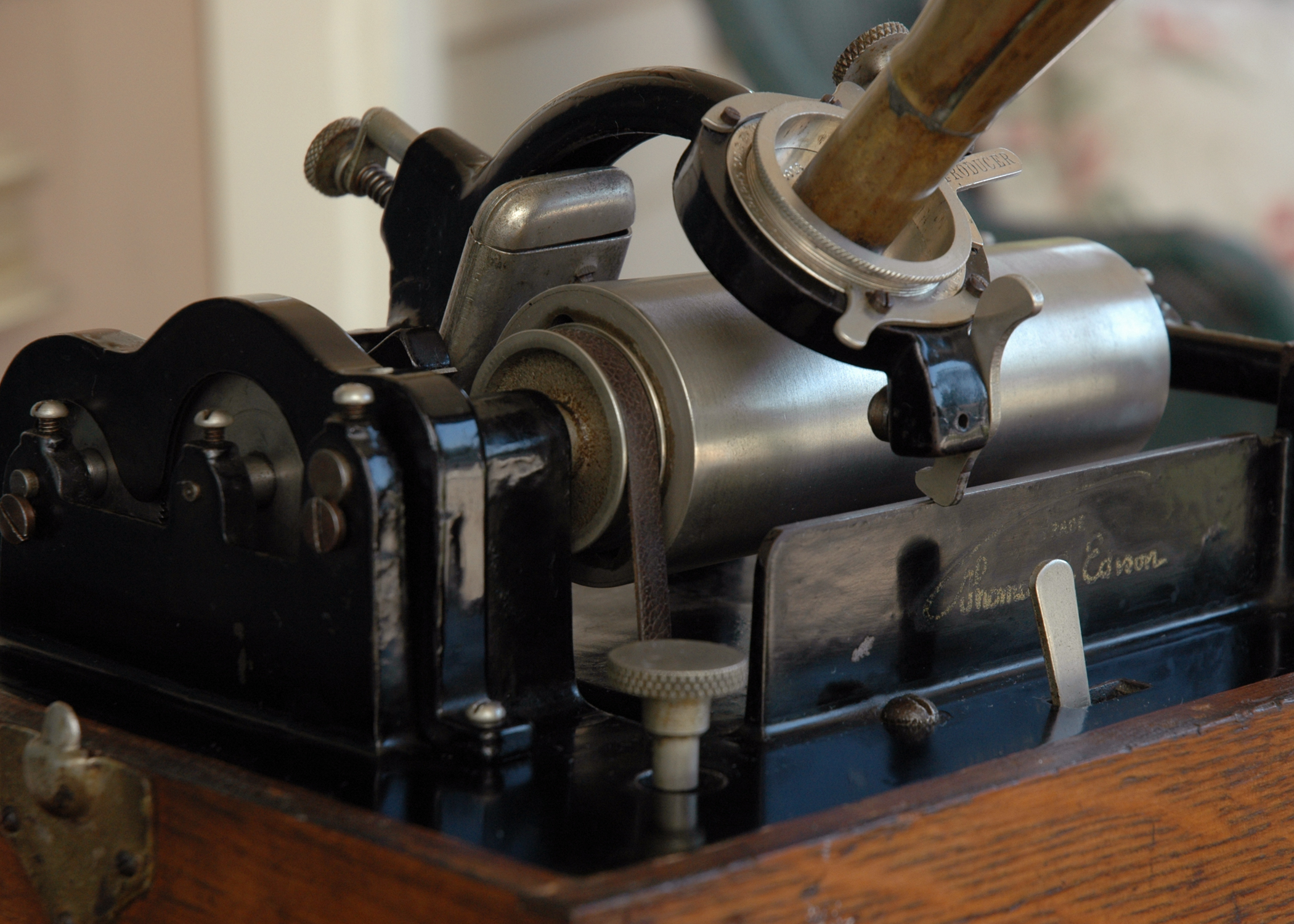 Spotters Guide to the Edison Standard Phonograph  The