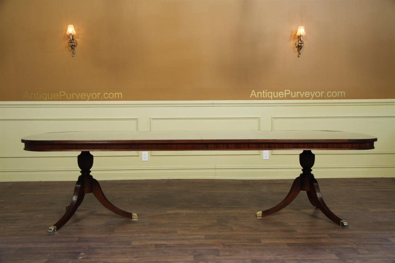 Fine Mahogany Dining Table with Two Leaves Opens to 10 Feet