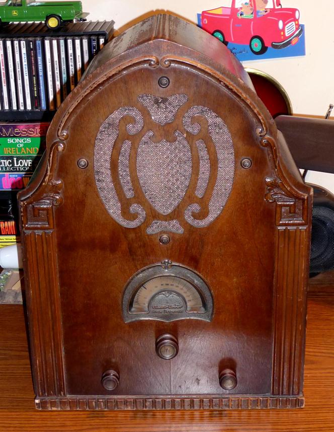 StewartWarner Model 102A Cathedral Radio 1931
