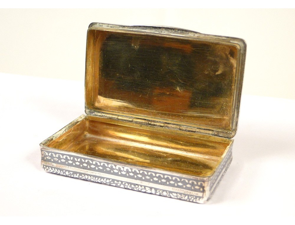 Snuff box or sterling silver estate Lrivint nineteenth