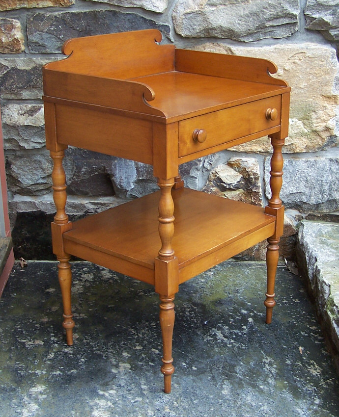 8440 Conant Ball Colonial Sheraton Reproduction Stand For