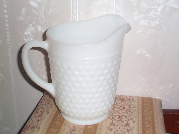 Vintage Collectible Glassware Anchor Hocking Hobnail Milk