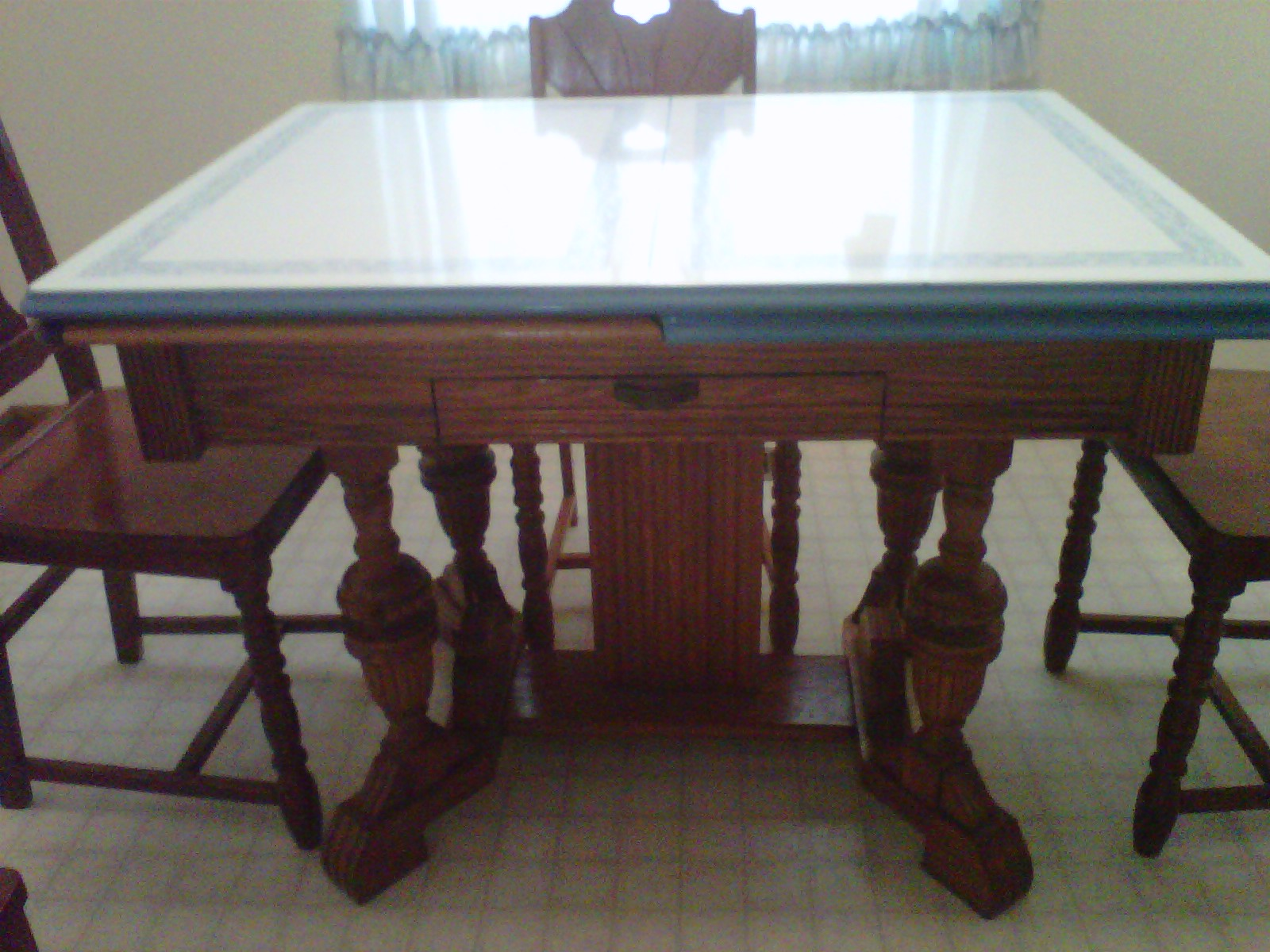 1930s Benjamine Crysteel Enamal Top Table with Chairs For