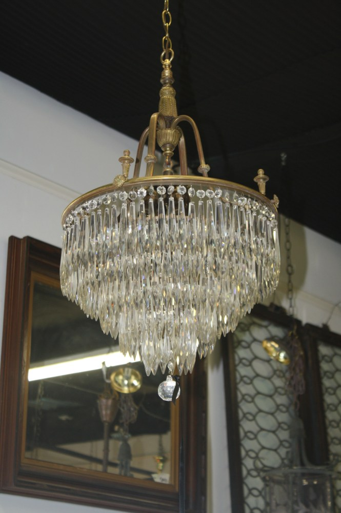 217 Lead Crystals Glimmer And Shine On This Solid Brass Antique Chandelier For