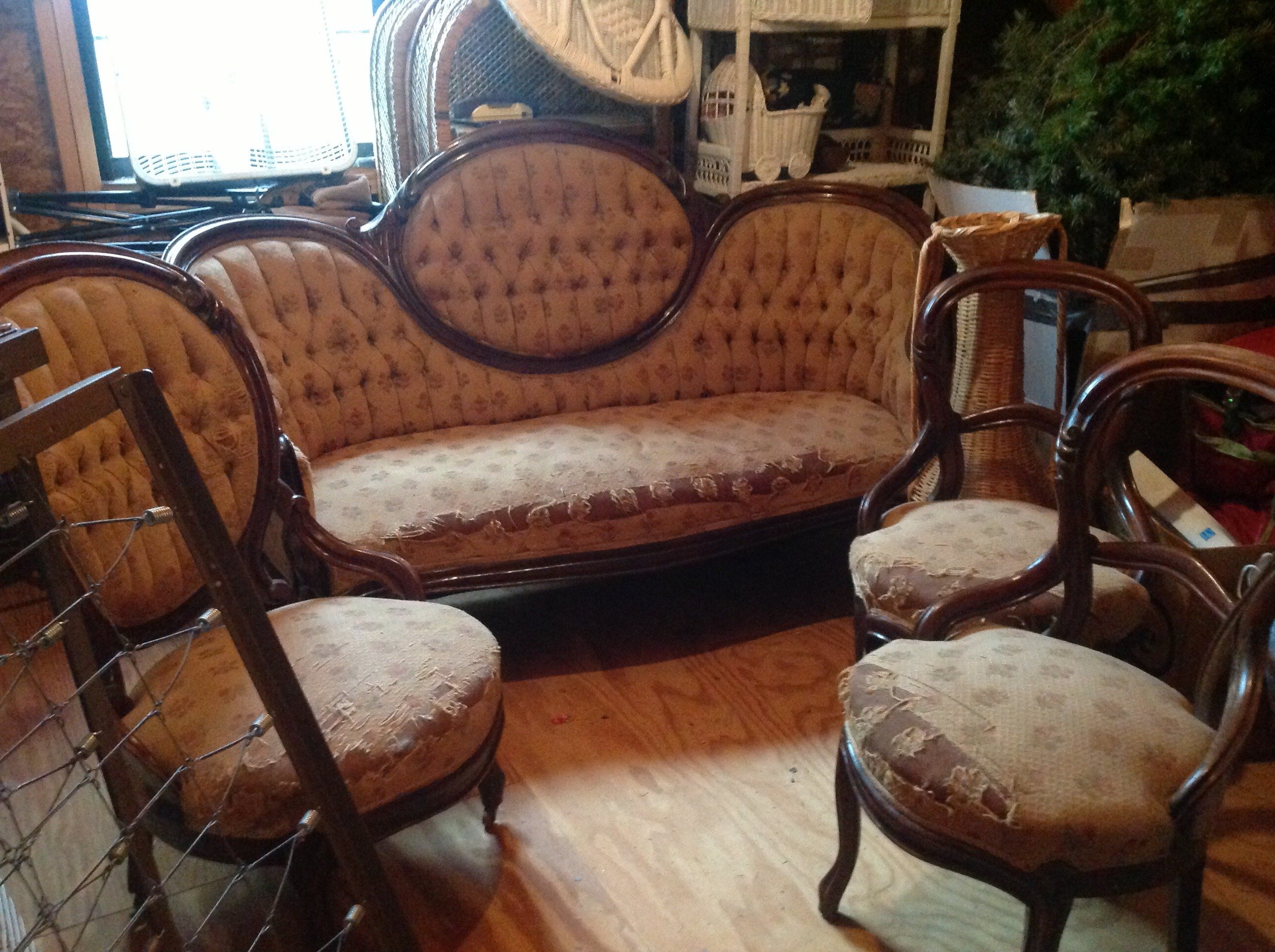 antique victorian sofas for sale natuzzi leather sofa and loveseat 1800 39s chairs antiques