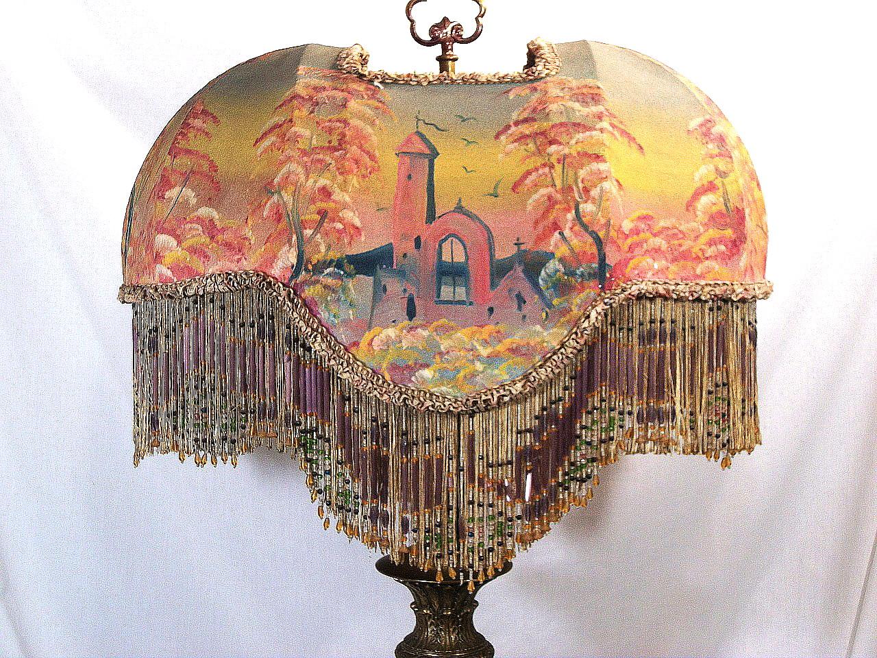 RARE ANTIQUE ORIGINAL VICTORIAN SHADE TABLE LAMP BEADED