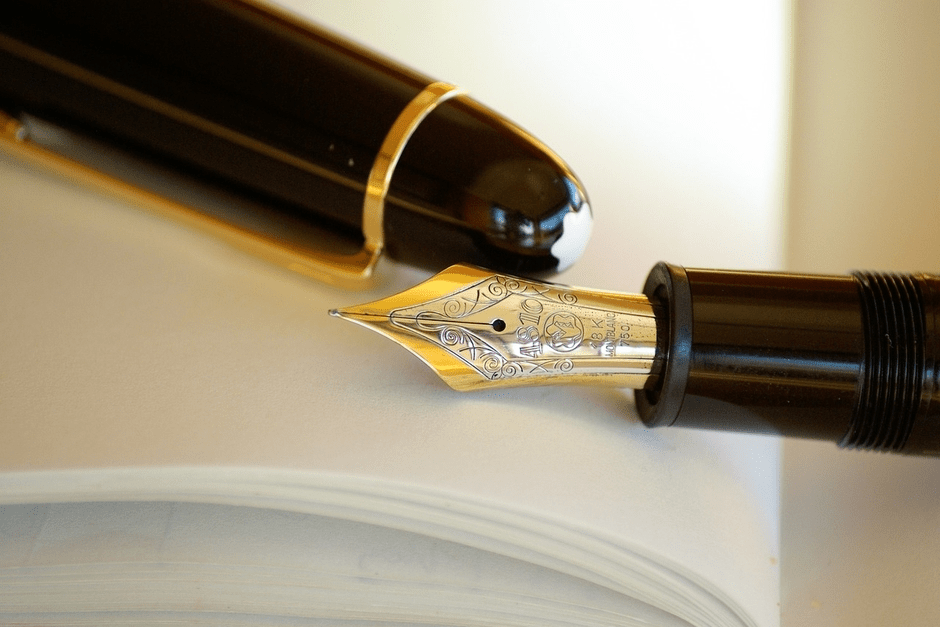 When Style Ruled the Desk - Vintage Fountain Pens