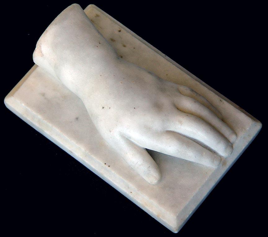 """Résultat de recherche d'images pour """"hand sculpture"""""""