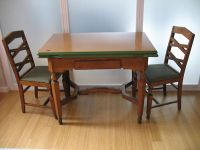 Vintage 1930's kitchen Table and 4 chairs