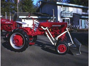 1964 Farmall Cub with 54A Blade Antique Tractor