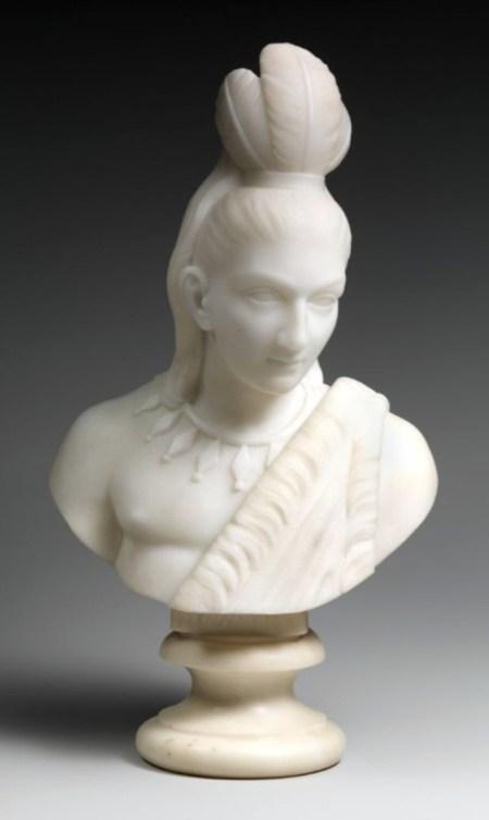 La identidad multirracial y el género de Lewis fueron formativos en su selección de temas. Entre 1866 y 1872, completó una serie de esculturas de mármol sobre el popular tema de Hiawatha (que se muestra aquí) y Minnehaha (que se muestra a continuación), extraído del poema épico de Henry Wadsworth Longfellow,