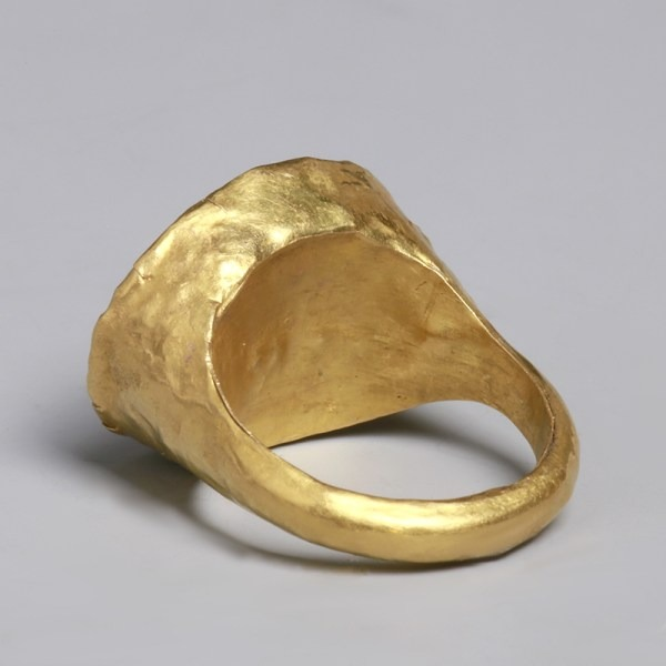Roman Gold Ring with Zebu Intaglio