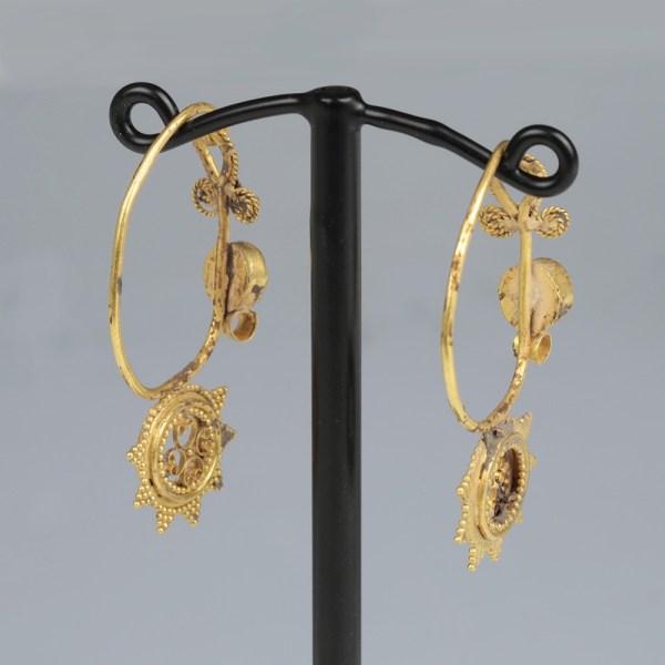 Byzantine Gold and Garnet Earrings Set
