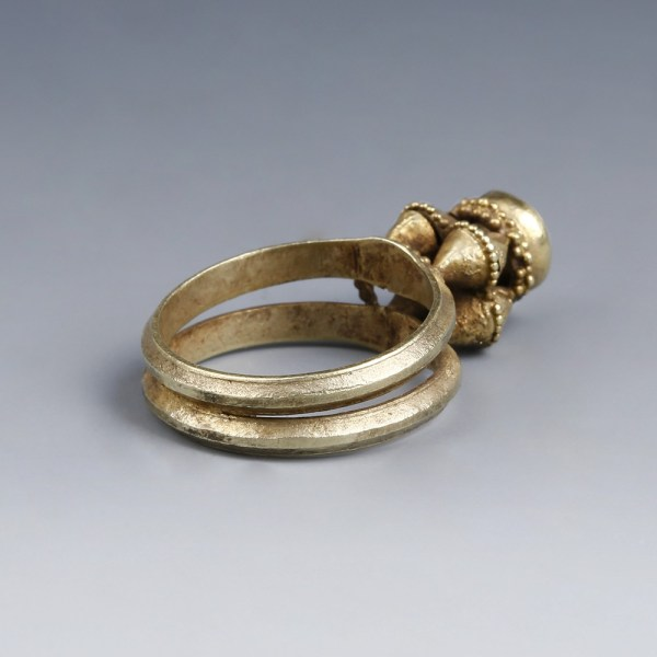 Byzantine Ring with Trumpet Bezel