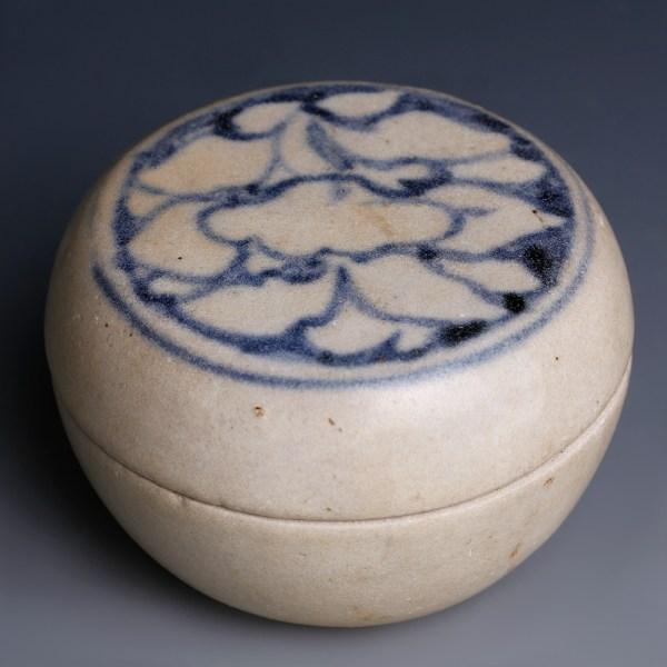 Hoi An Shipwreck Blue and White Lotus Box