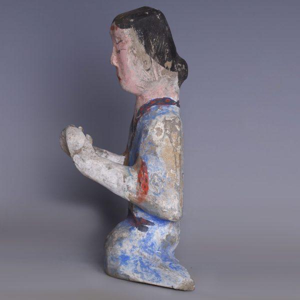 Han Dynasty Kneeling Court Attendant
