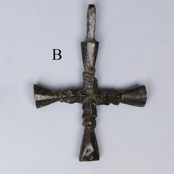 late roman bronze cross 4