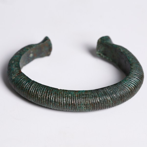 Late European Bronze Solid Bronze Bangle