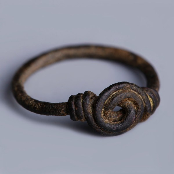 Anglo-Saxon Bronze Ring with Spiralling Bezel