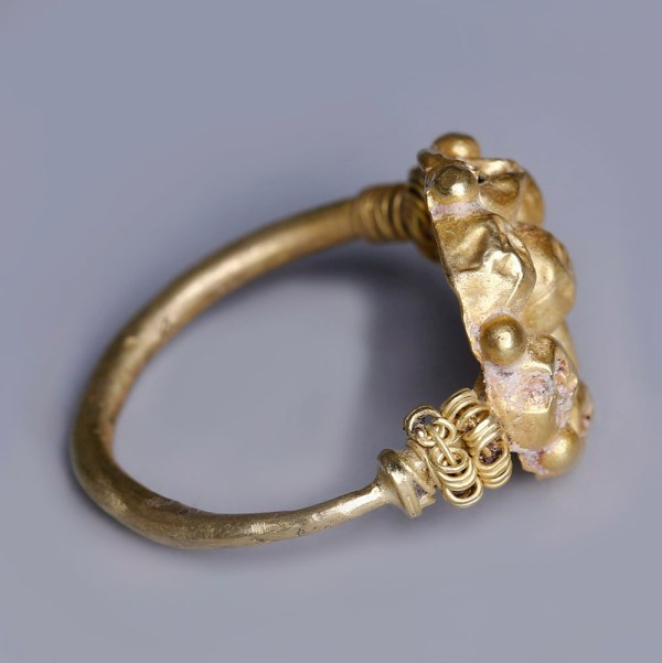 Near Eastern-Western Asiatic Gold Rosette Ring