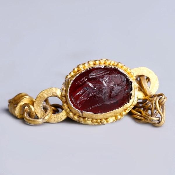 Ancient Roman Gold Intaglio Chain Ring