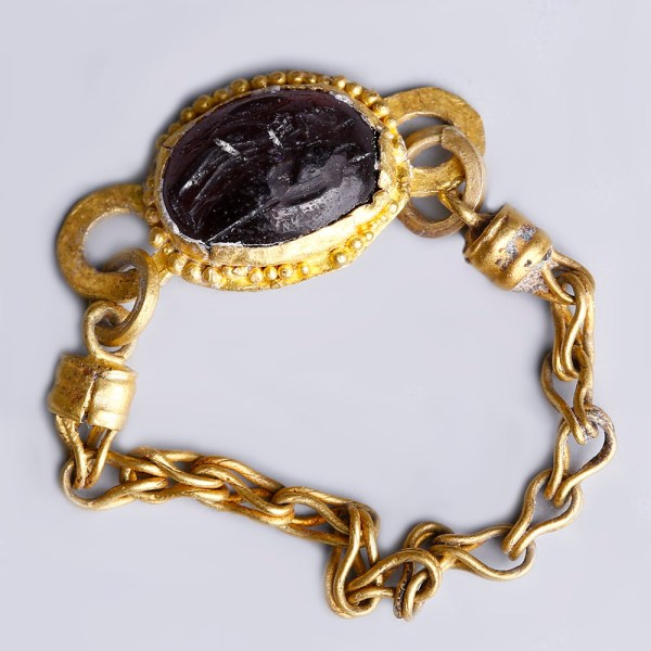 Ancient Roman Gold Intaglio Chain Ring