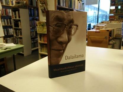 Dalailama - Maailmankaikkeus atomissa - Tieteen ja hengen läheneminen