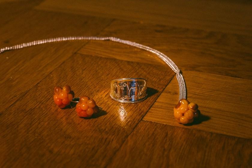 julklapp hjortron örhängen halsband