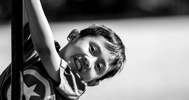 Just hanging around!#blackandwhite #melbournephotographer #childrenportraits #outdoorfun #kidsbeingkids