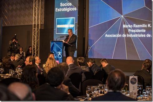 Marko Razmilic dando discurso en Cena de Negocios Mineros