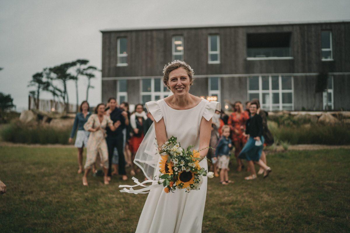 Robe de mariée Castille Mariage Rennes Photo de mariage à la Colonie de Trézien - Photographe de mariage à Brest - Antoine B
