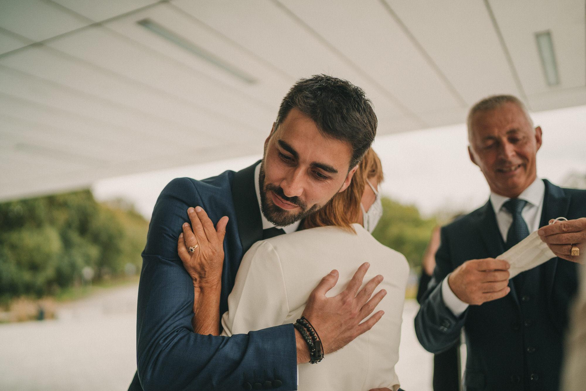 Photo de mariage à la mairie de Plouzané