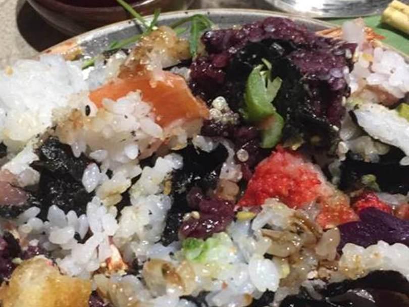 Le regole della cena al Nima sushi e uramakeria.