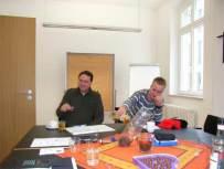 Schießmeister Christof Humm (links), Jungschützenmeister Thomas Kilders in einer Pause.